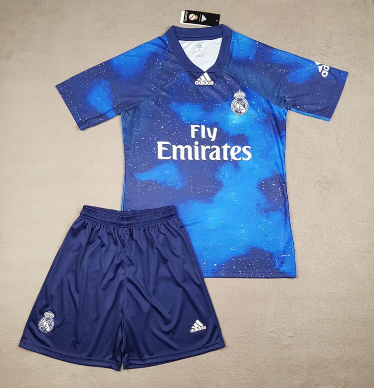 Детская футбольная форма Реал Мадрид  EA Sports синяя (сезон 2018-2019)