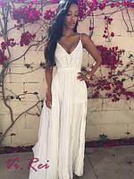 Платье длинное шифоновое женское с открытой спиной и кружевом белое