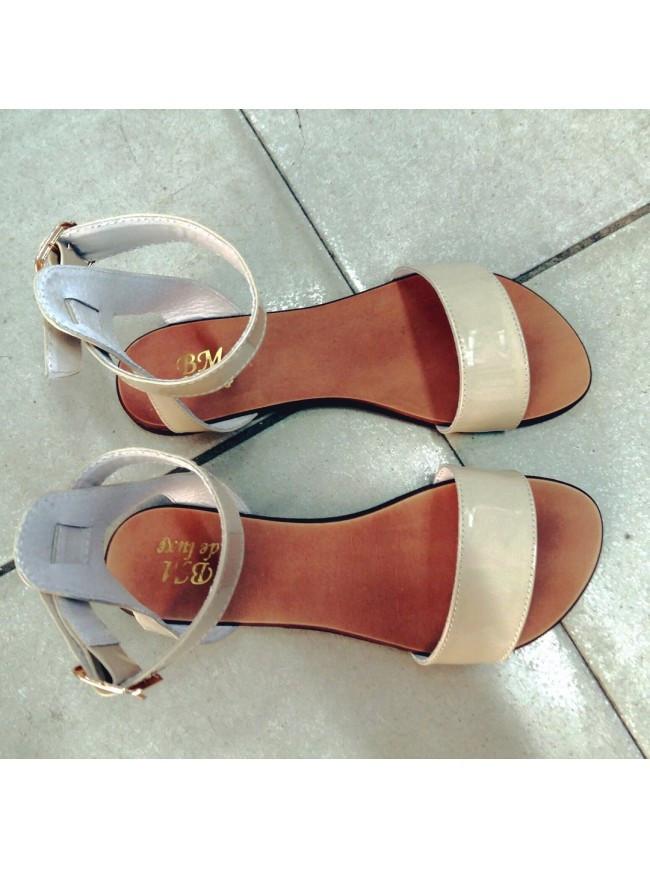 Женские сандалии из натуральной кожи бежевого цвета SIMPLE BEIGE PATENT LEATHER