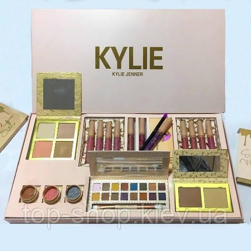 Набор косметики Кайли Kylie Vacation edition bundle