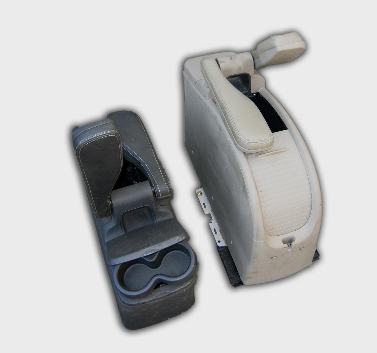 Подлокотник для Рено Сценик 2 (Renault Scenic 2)