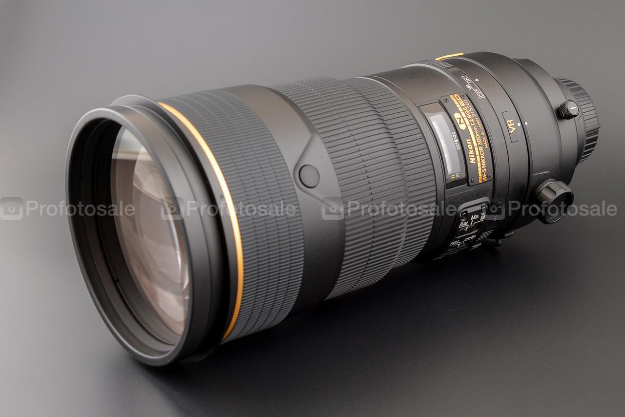 Nikkor 300/mm f/2,8 VR II