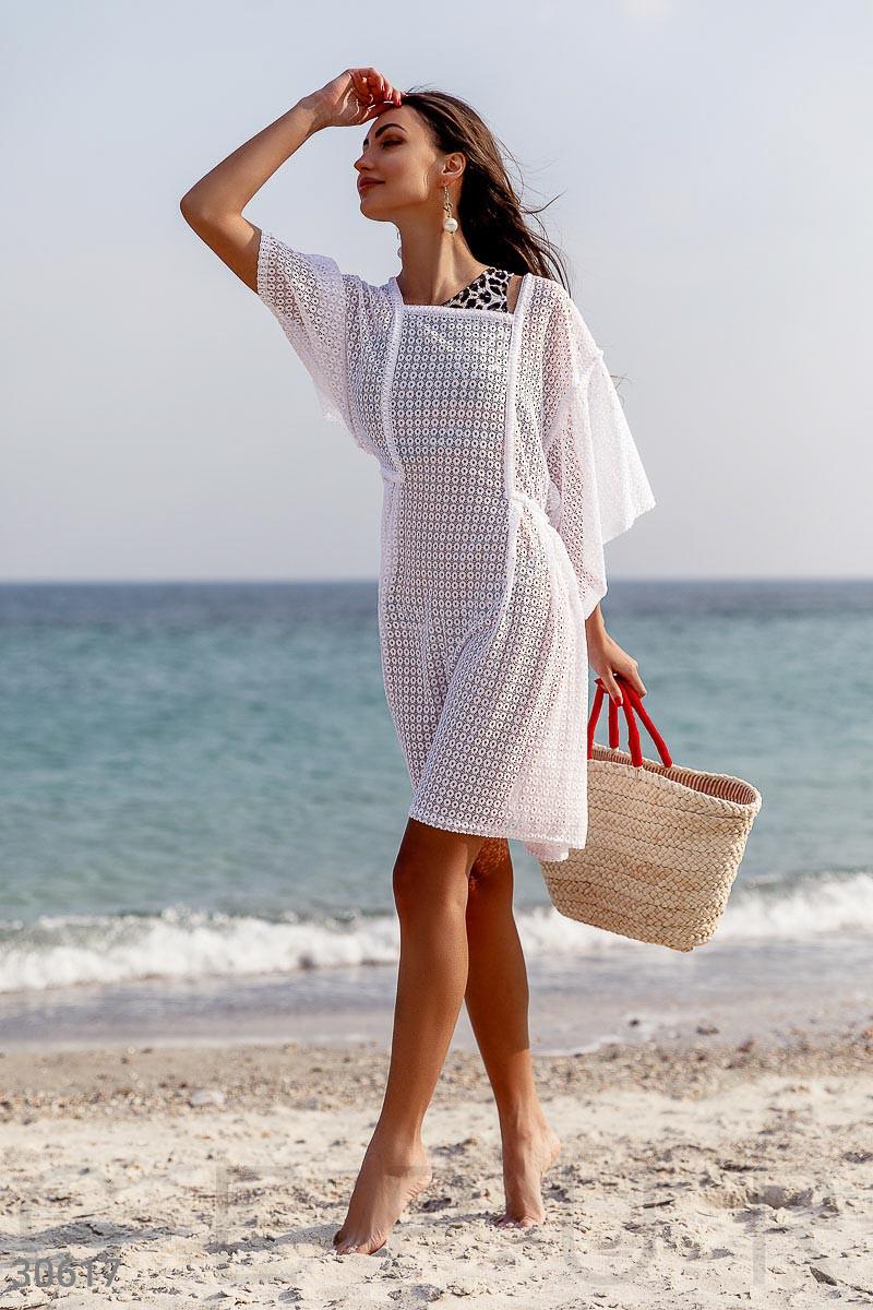 Короткая пляжная туника свободного кроя