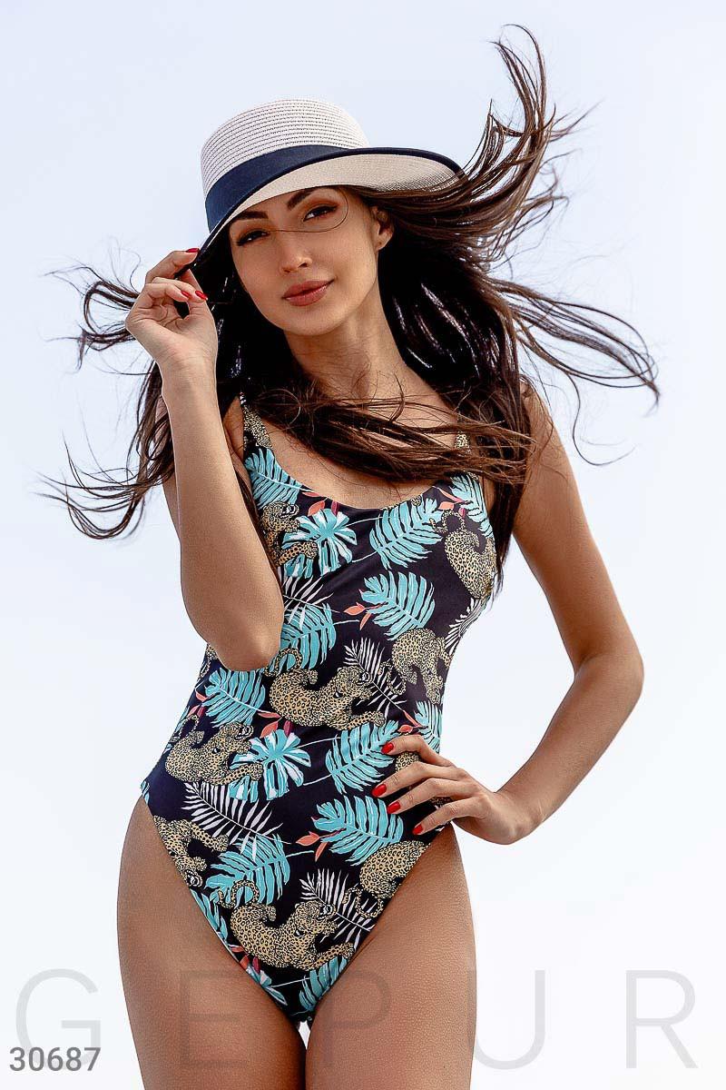 Слитный женский купальник со стильным принтом