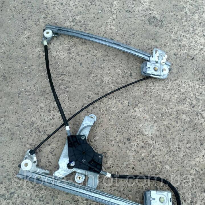 Стеклоподъемник передний левый Шкода октавия тур 1997- 2010 механизм стеклоподьемника 1U1837401J