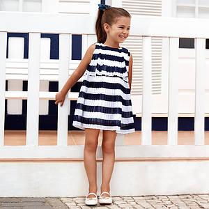 Платье в полоску с плиссровкой