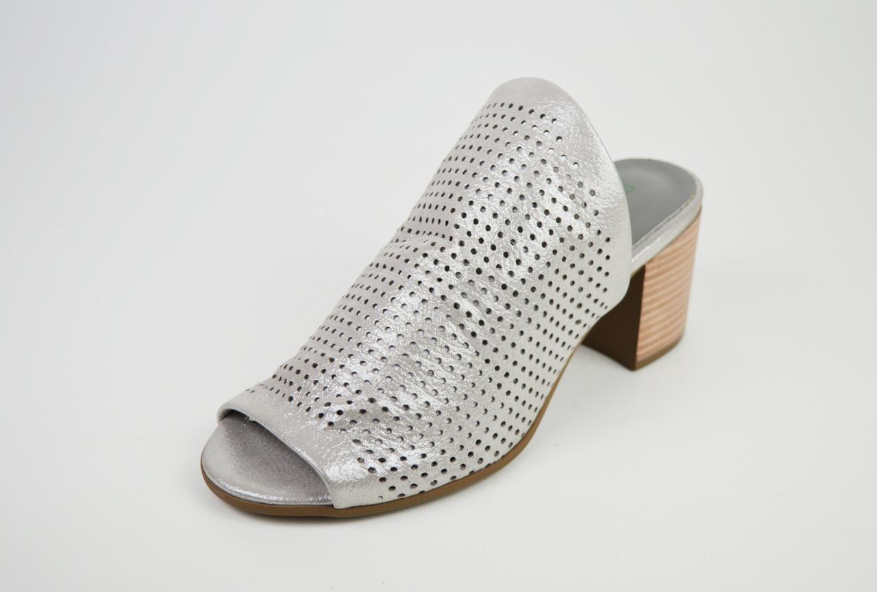 Шлепанцы с натуральной кожи серебристые Donna Style 90206
