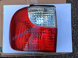 Фонарь задний для Hyundai H-1/Н200 '00-05 левый (DEPO) внешний