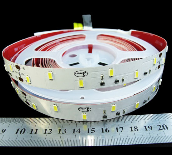 Світлодіодна стрічка 24вольт 13Вт 980лм 6500К R0B48CD 5630-48-IP33-CWd-16-24 холодно біла Рішанг 4959