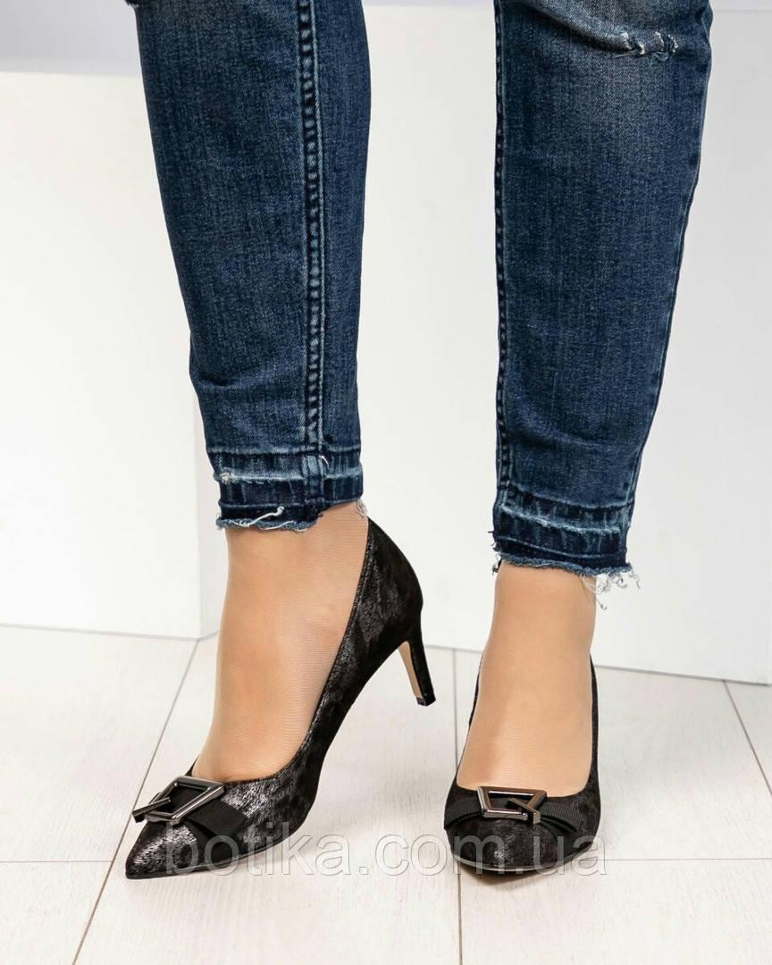 Эффектные, комфортные женские туфли лодочки с тиснением