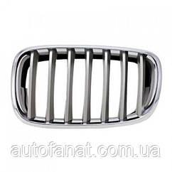 Оригинальная хромированная декоративная решетка правая BMW Х5 (E70, E71, E72) (51137185224)