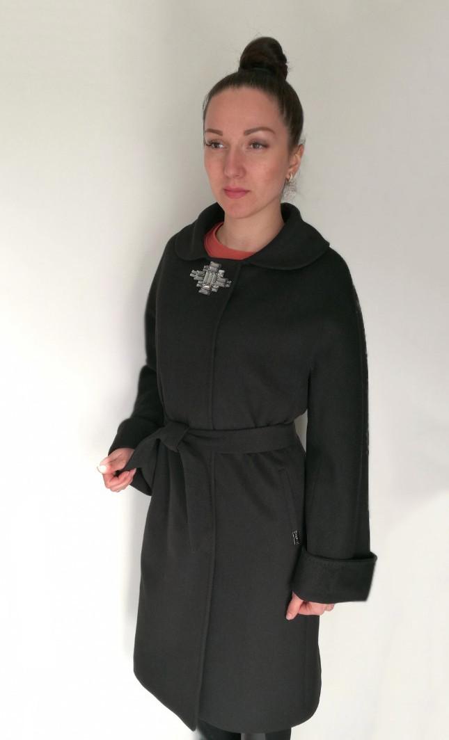 Женское демисезонное пальто с поясом, черного цвета / women's coat 45