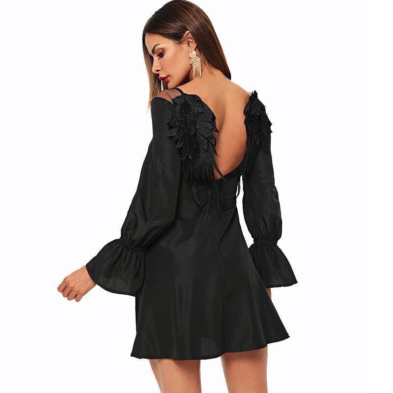 Платье с крылышками черный