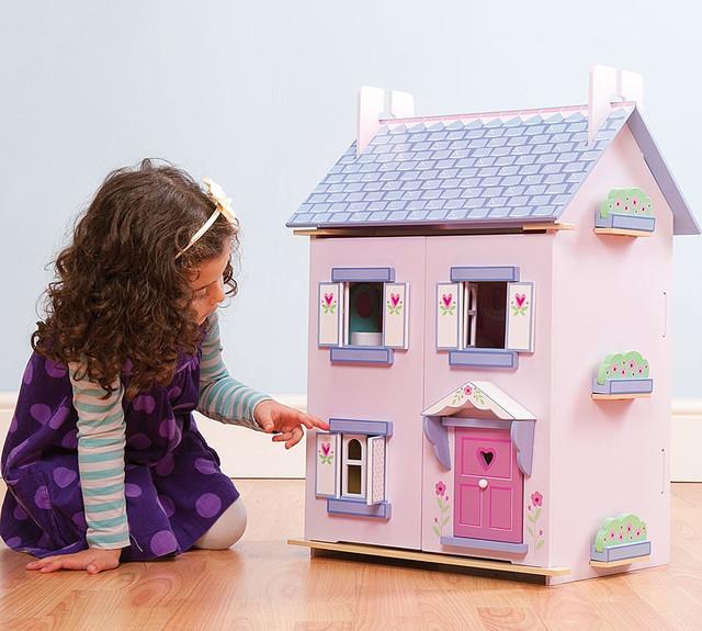 Кукольные домики, замки, картеты, мебель
