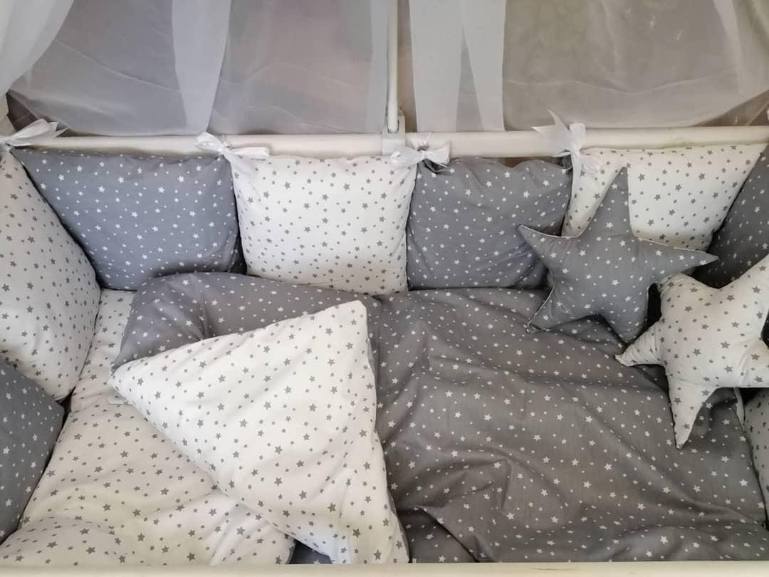 Детский постельный комплект в кроватку со съемными наволочками на бортиках