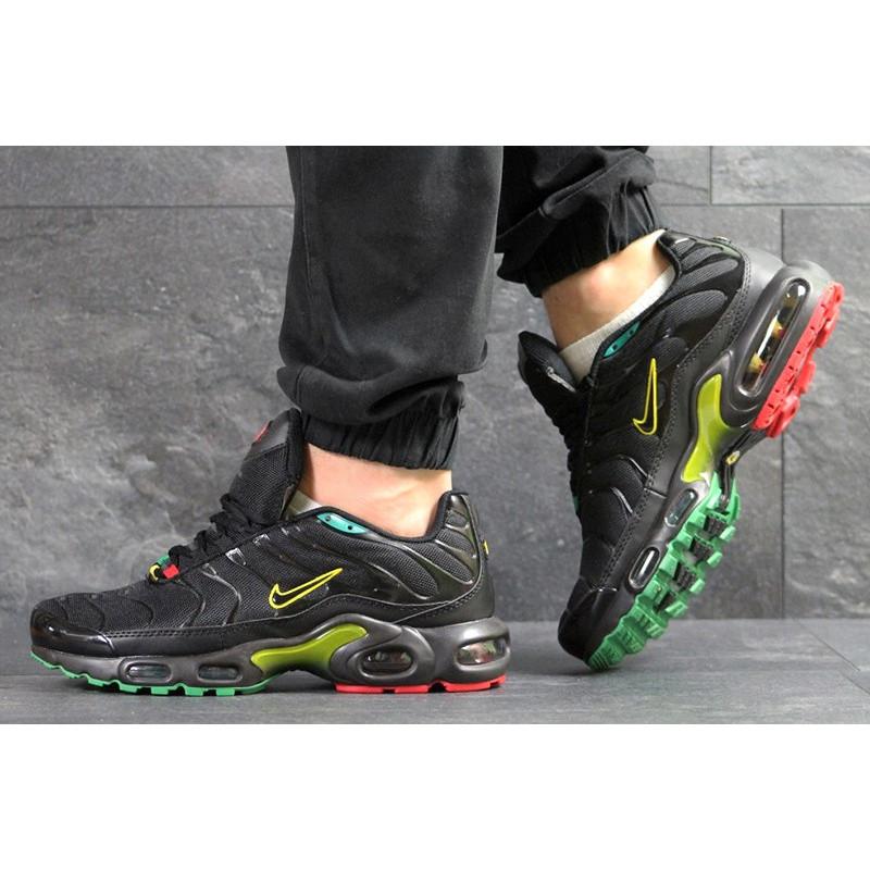 fc2108c7 Мужские кроссовки Nike Air Max Plus TN черные с зеленым и красным р.41 Акция