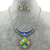 Модный комплект подвеска и серьги покрыты серебром,эмалью и бисером