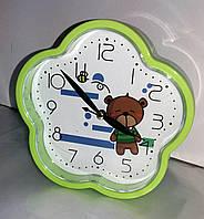 Настольные часы-будильник кварцевые