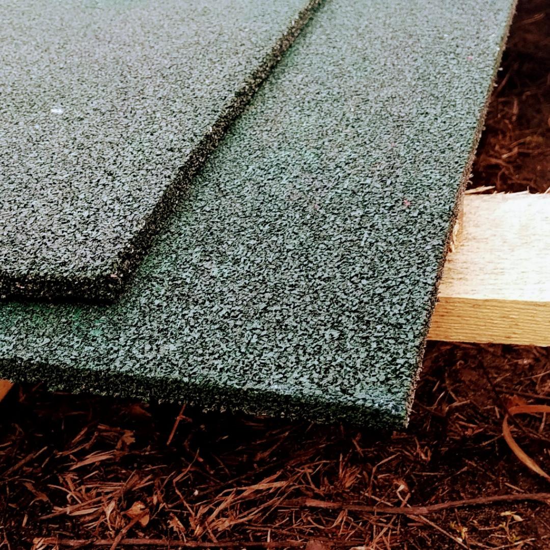 Резиновый коврик 1500х700х10 зеленый