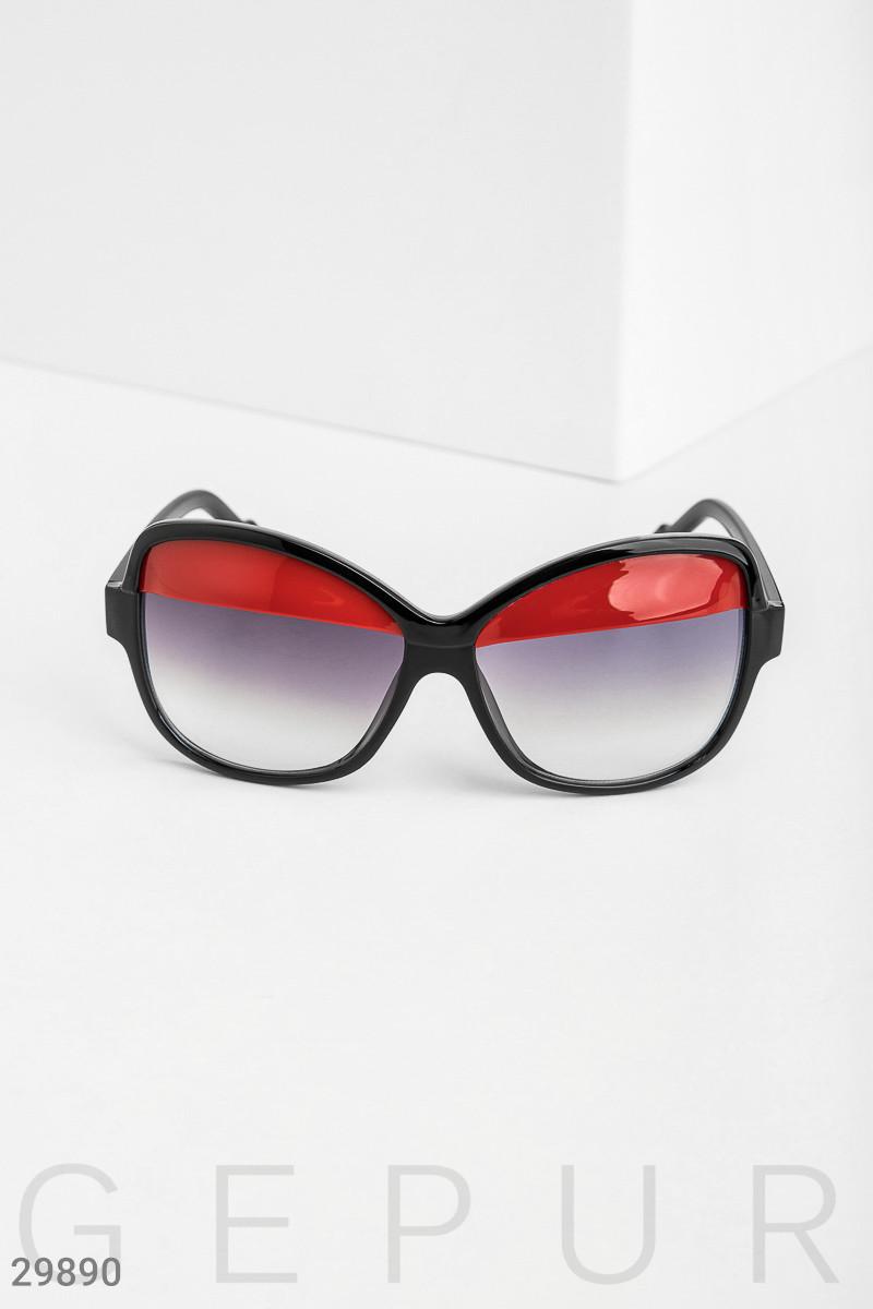 Очки с яркими вставками