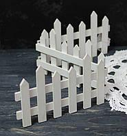 Забор деревянный белый