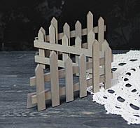 Забор деревянный серый