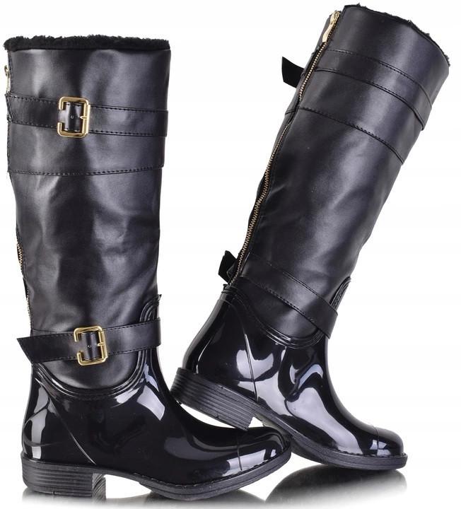 Женские резиновые сапоги черного цвета, до колена
