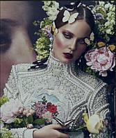 Вышиванка с кристаллами Swarovski - яркий элемент вашего стиля!