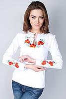 Летняя женская футболка вышитая маками и ромашками