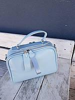 Женская голубая сумочка из натуральной кожи.