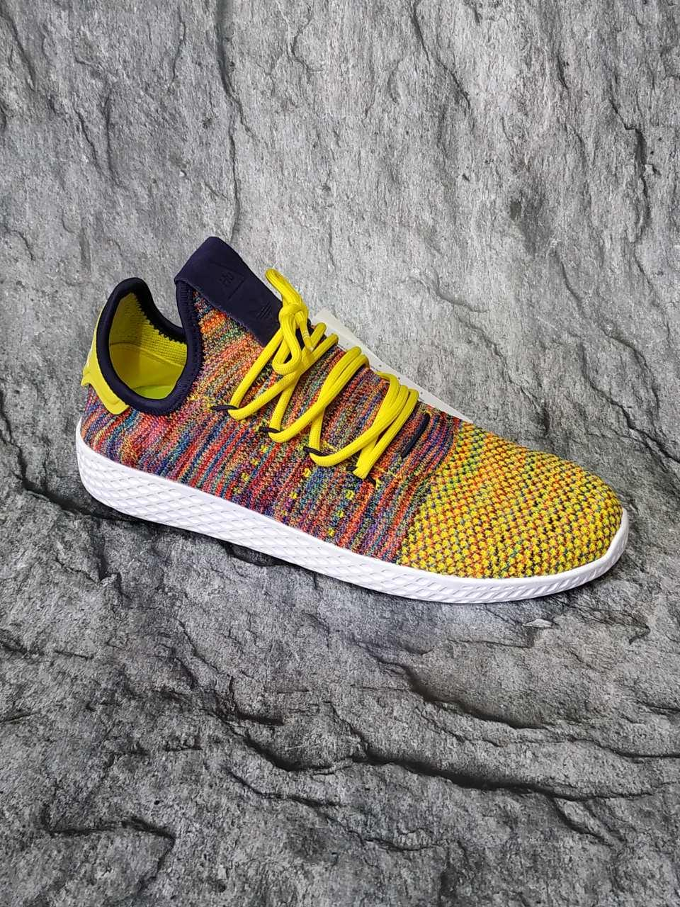 Кроссовки adidas x Pharrell Williams Tennis Hu Primeknit Semi Frozen Yellow (оригинал)