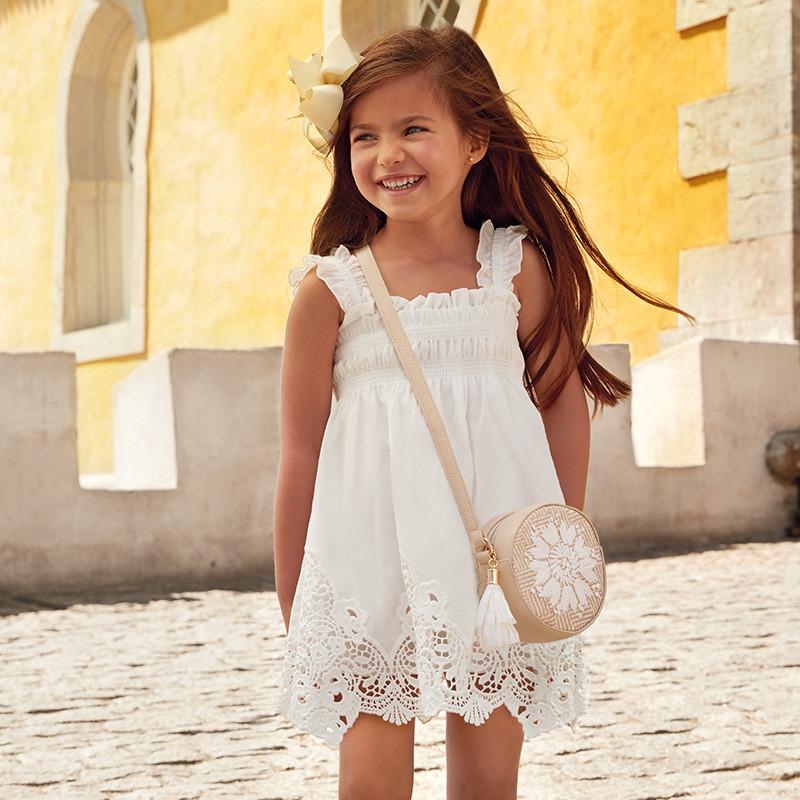 Платье хлопковое с кружевом