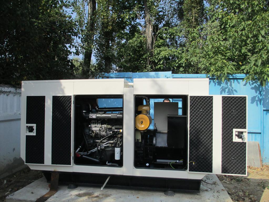 Встановлення, підключення та обслуговування дизельгенератора для хостінг-провайдера BestHosting м. Вінниця