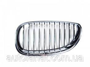Оригинальная хромированная декоративная решетка левая BMW 5 (E60,E61) (51137065701)
