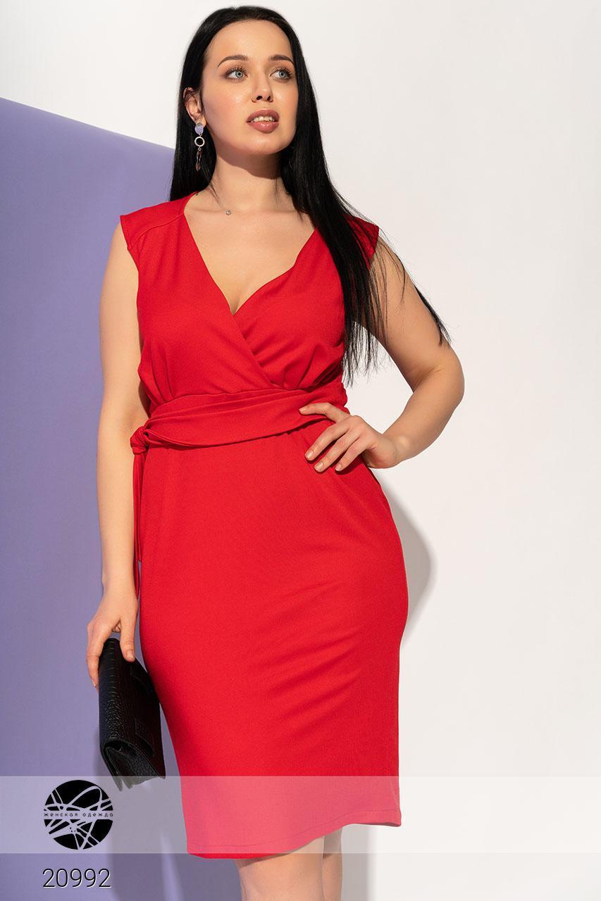 Летнее платье красного цвета без рукава. Модель 20992. Размеры 50-56