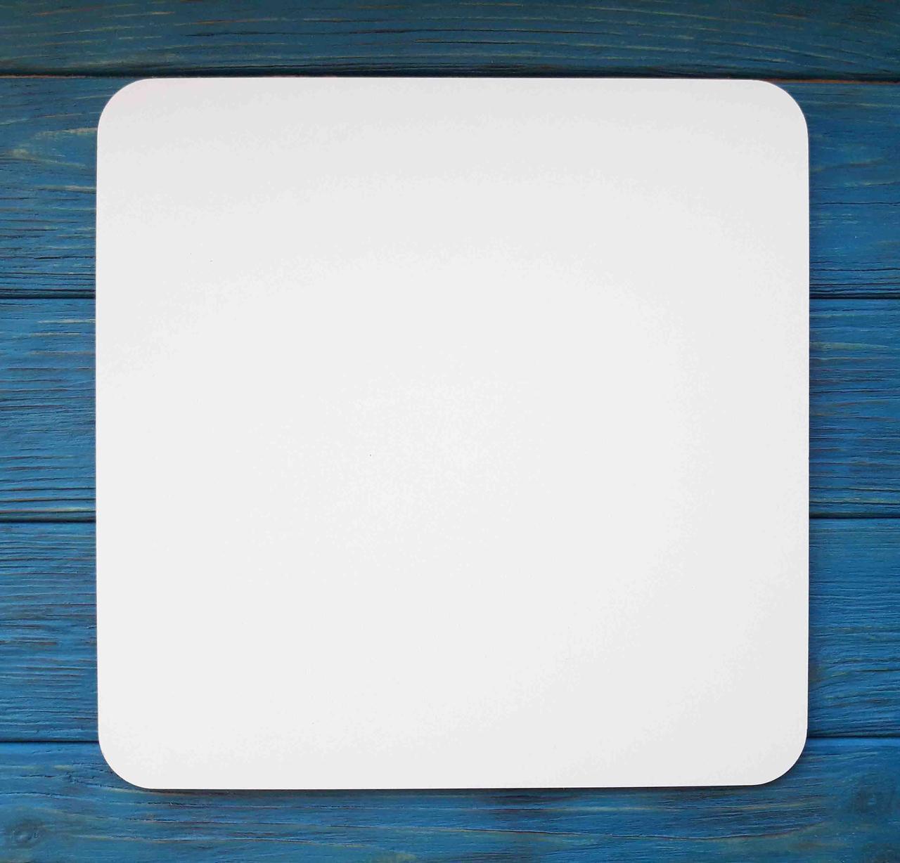 Подложка под торт. Подставка для торта усиленная. Квадратная. Размер 23Х23 см.