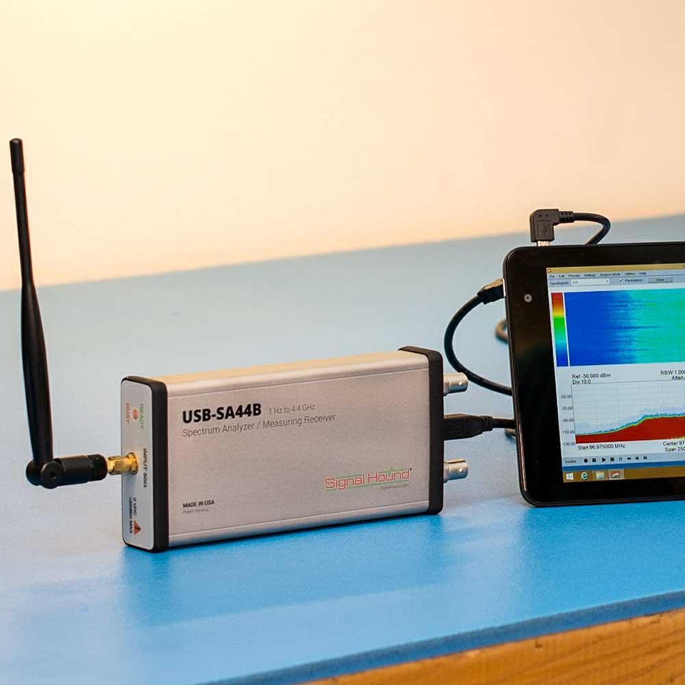 Анализатор спектра 4,4 ГГц   Signal Hound  USB-SA44B , фото 1