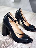 Шикарные кожаные босоножки на каблуке 37,38 р чёрный