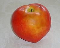 Яблоко желто-красное гигант 9 см