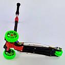Триколісний самокат зелений чотири колеса з підсвічуванням платформи і світяться колесами діткам від 3 років, фото 4