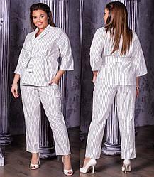 Стильний брючний літній костюм жіночий з льону: піджак на запах і укорочені штани, батал великі розміри