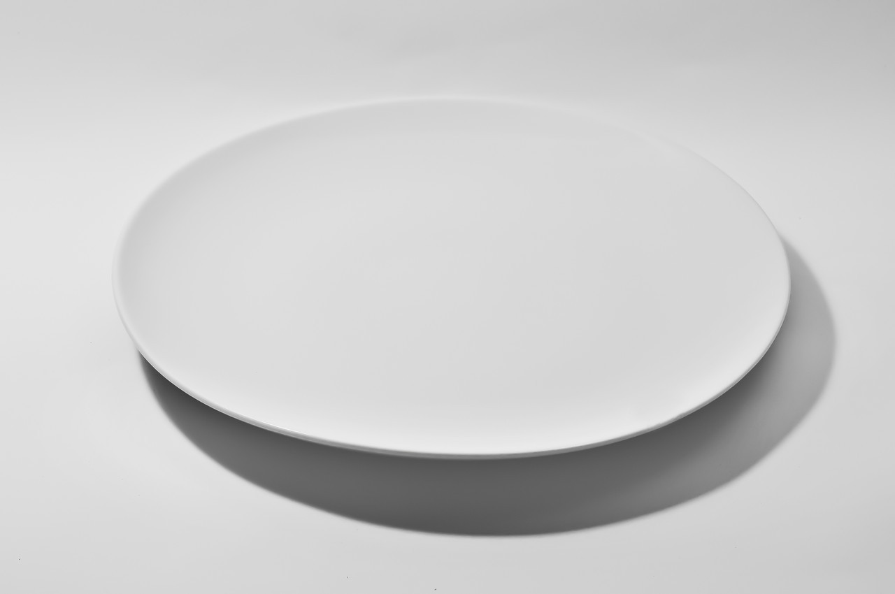 Тарелка фарфоровая круглая без борта