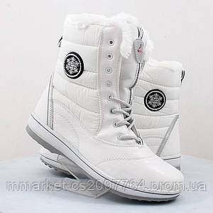 Зимние высокие белые ботинки на плотном меху