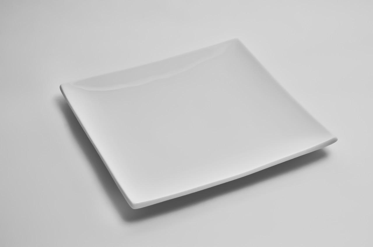 Тарелка фарфоровая квадратная без борта