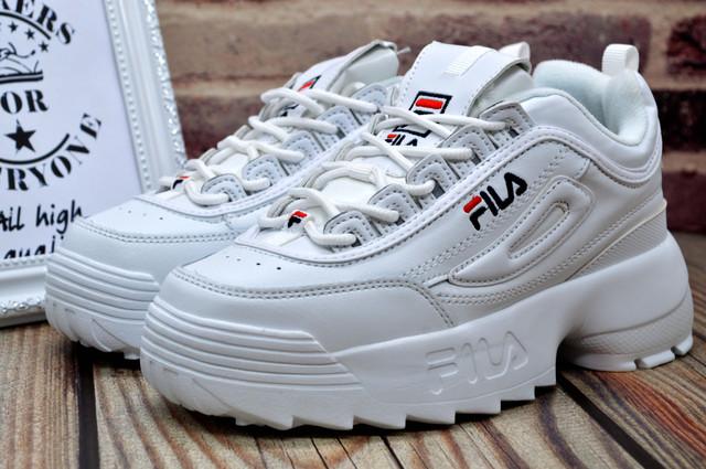Фила дисраптор женские белые кроссовки
