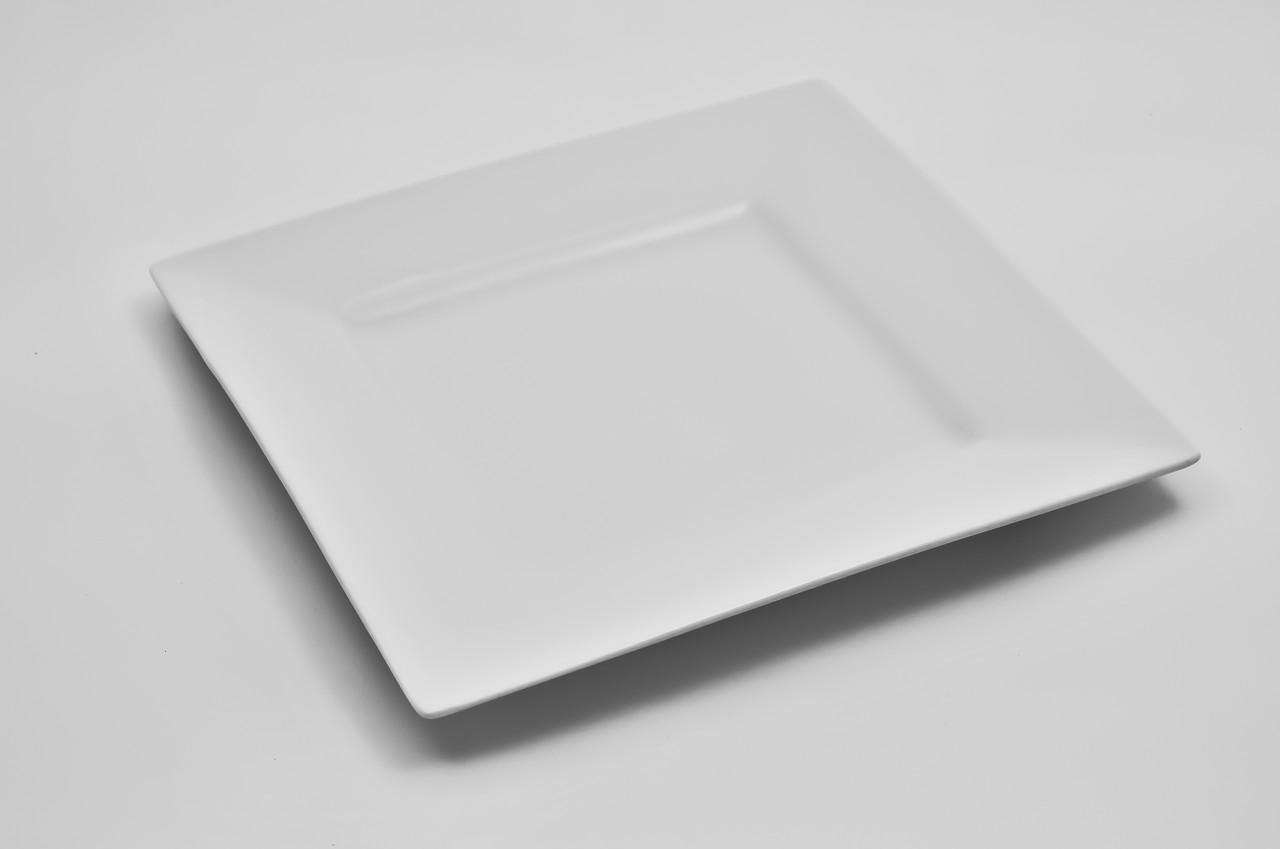 Тарелка фарфоровая квадратная с бортом
