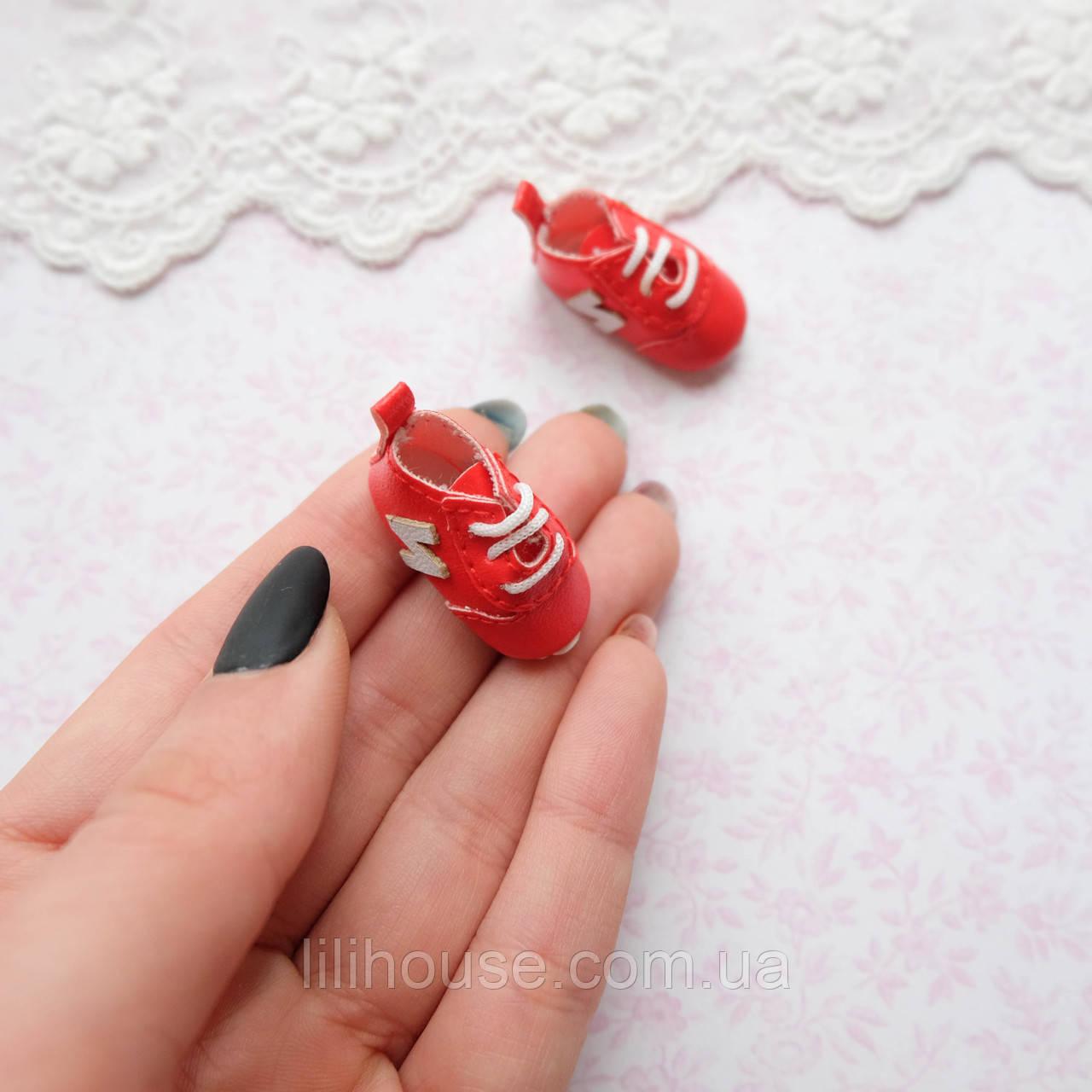 Обувь для кукол Кроссовки Мини 30*12 мм КРАСНЫЕ