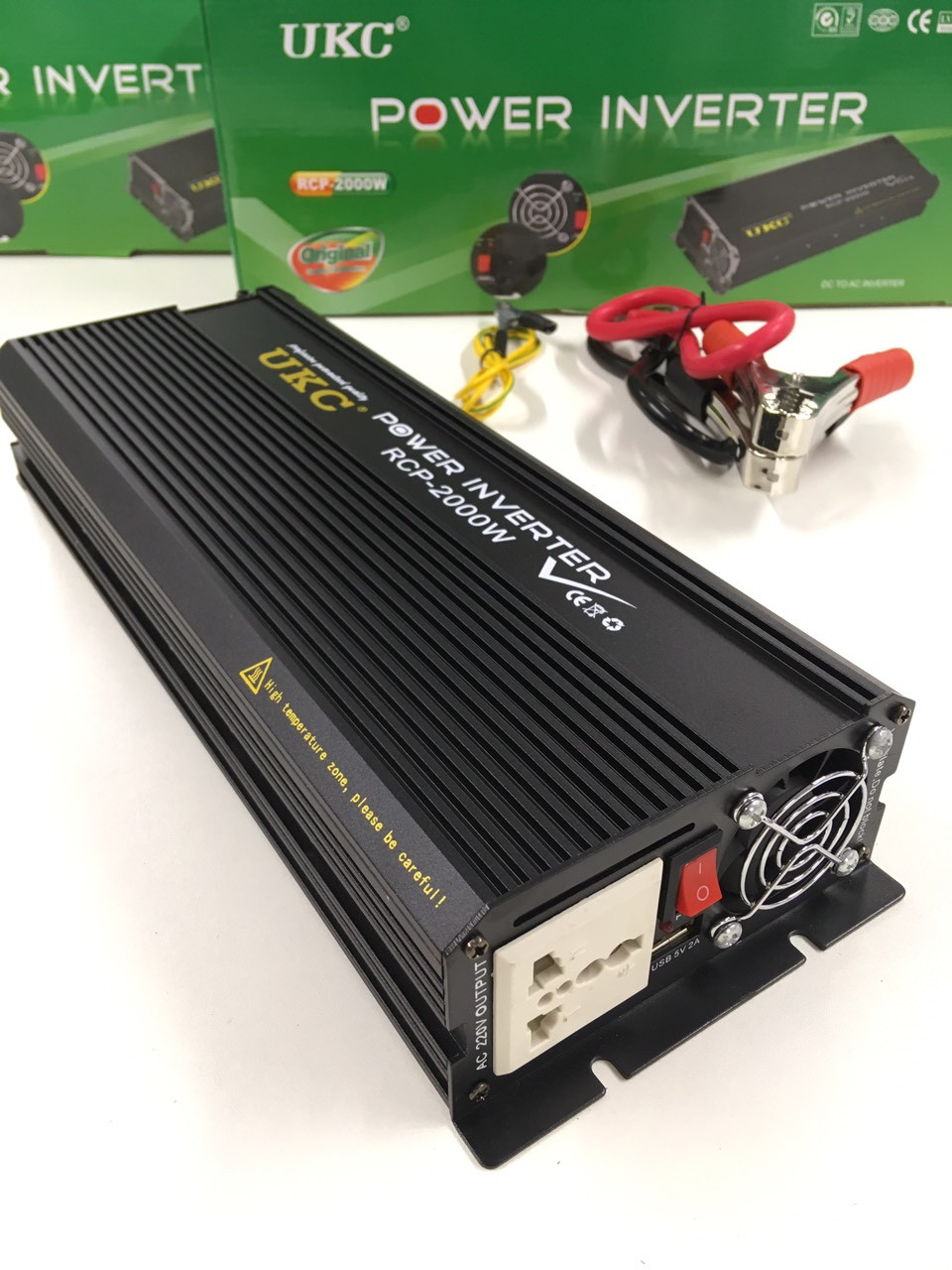 Преобразователь инвертор UKC Power Invertrer RCP-2000W 12v-220v