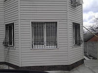 Решётки на окна с ковкой, фото 1
