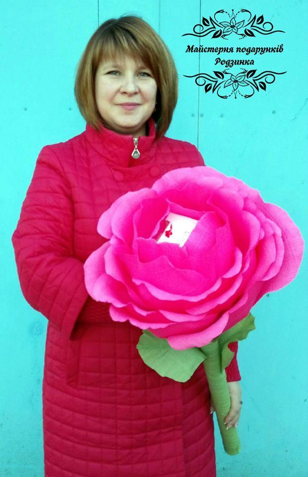 """Гігантська велика троянда з коробкою цукерок """"Раффаело"""""""
